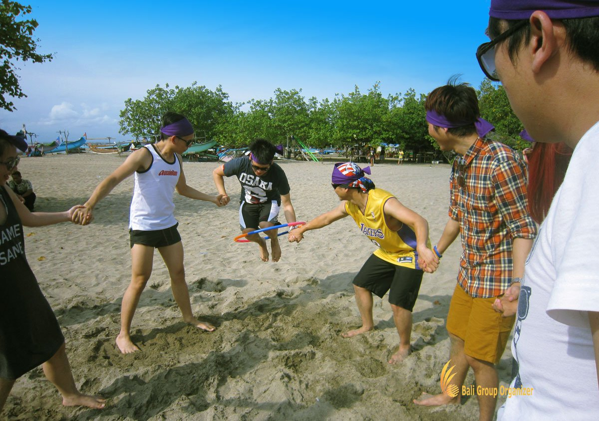 hula hoop, bali, beach, team building, games