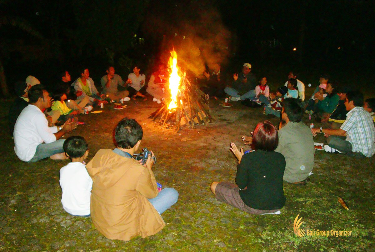 bali, outdoor, bonfire, activities