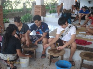 Alice Smith School, Balinese, Pottery Lesson