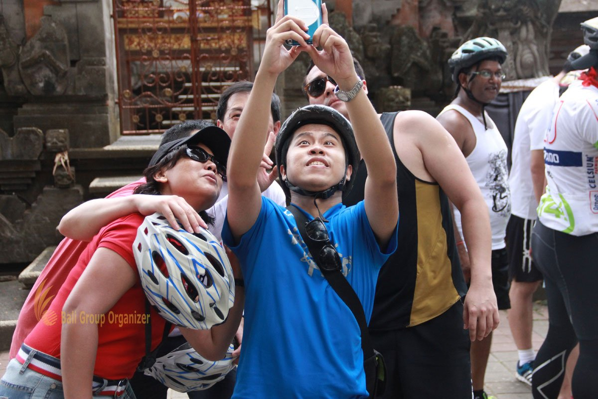 Fondaco International Bali Cycling Treasure Hunt Team Building on Photo Session