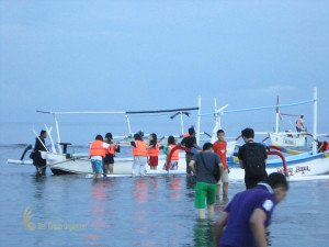 Stamford International School Bandung, Bali Education Trip, Group Event, Watching Dolphin, Dolphin, Lovina, Student, Bali