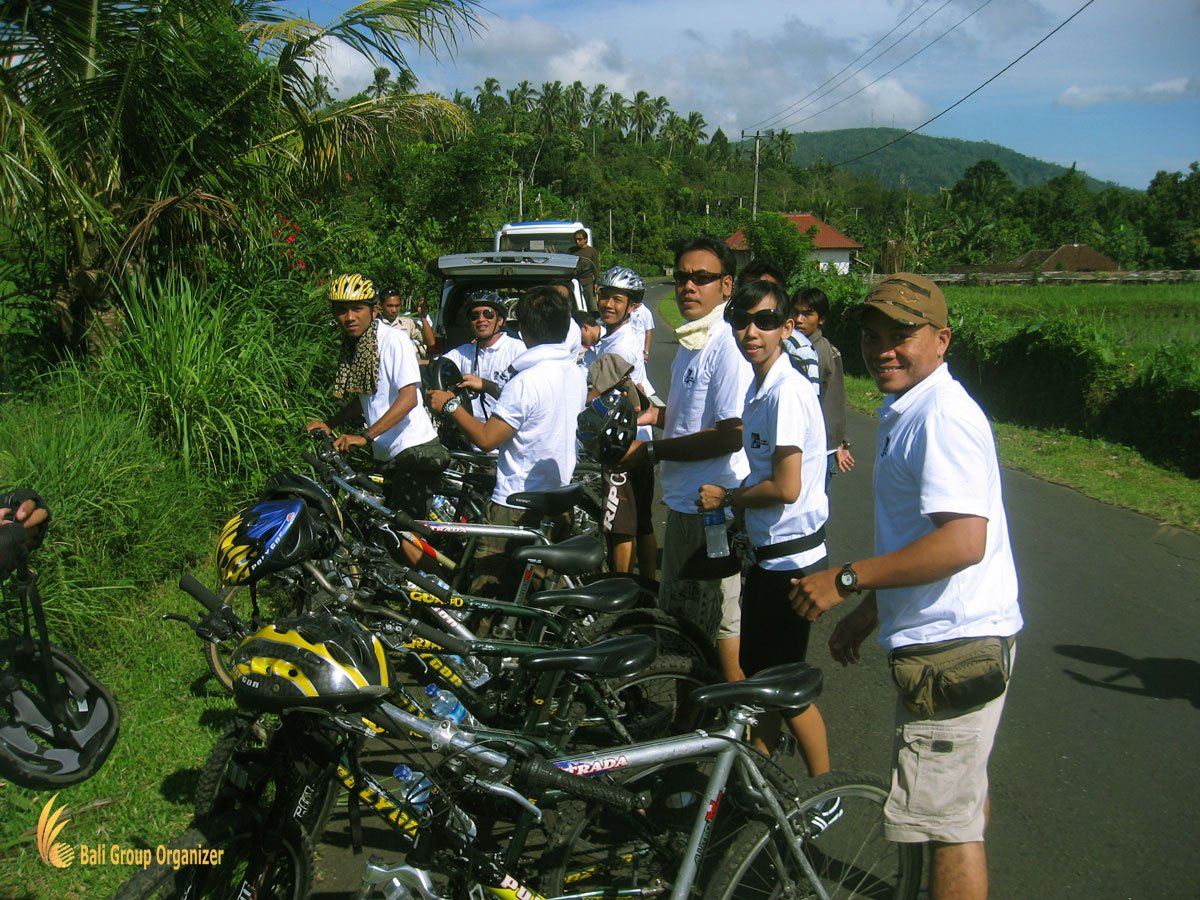 bali, treasure, hunt, cycling, games