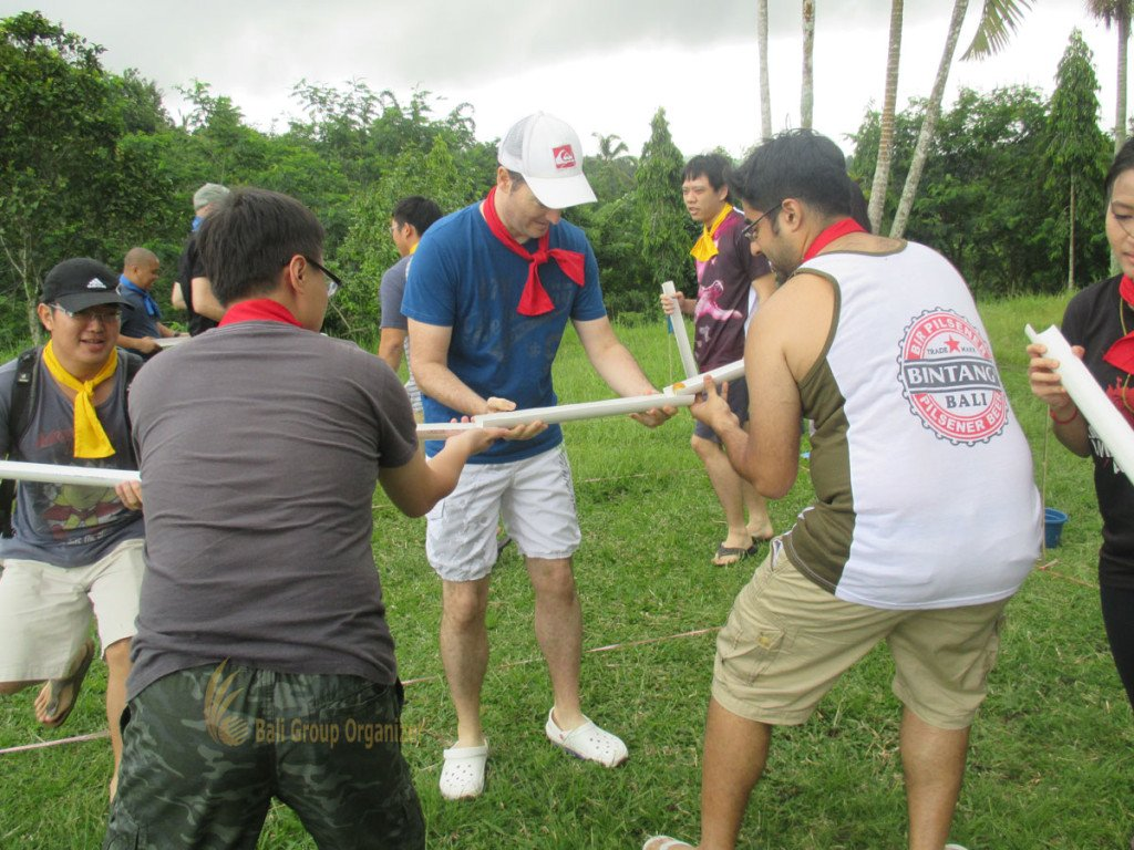 Singapore Software Company enjoy amazing race crazy ball game