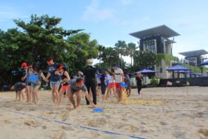 hotelbeds, photo, beach, team, team building, fun, games, fun games, stepping mat