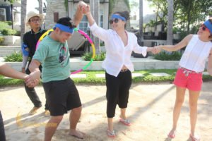 hotelbeds, photo, beach, team, team building, fun, games, fun games, hula hoop, transfer, hula hoop transfer, photo