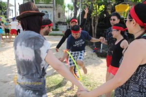 hotelbeds, photo, beach, team, team building, fun, games, fun games, hula hoop, transfer, hula hoop transfer