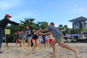 hotelbeds, photo, beach, team, team building, fun, games, fun games, stepping mat, photo