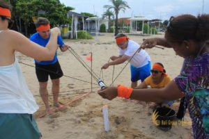 hotelbeds, photo, beach, team, team building, fun, games, fun games, ice breaking, tanjung benoa, sakala, toxic waste, games