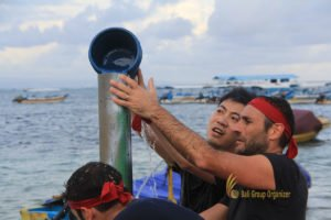 hotelbeds, photo, beach, team, team building, fun, games, fun games, ice breaking, tanjung benoa, sakala, water tower, fun games