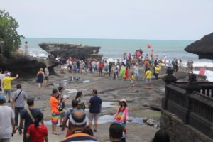 an great view at tanah lot temple