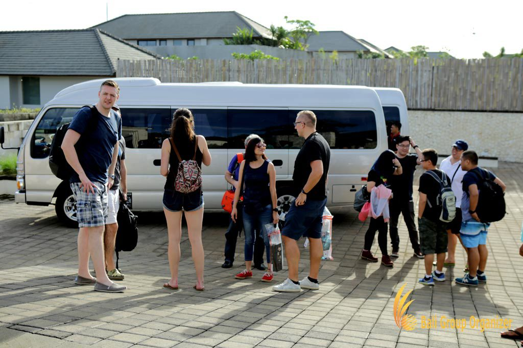 Singapore Software Company group join the car in Bali