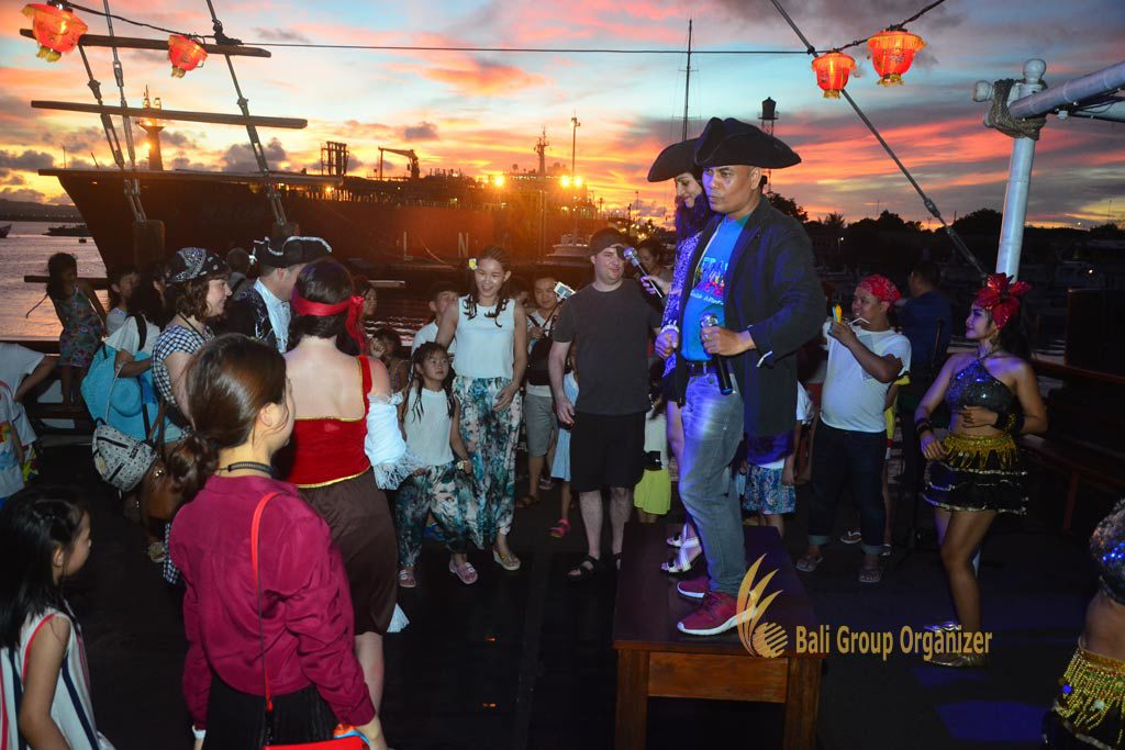 pirate cruise, pirate cruise dinner, Singapore Software Company group