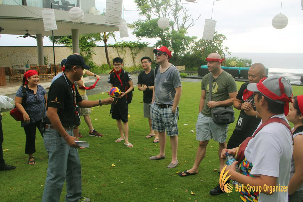 ice breaking, team building, Singapore Software Company group