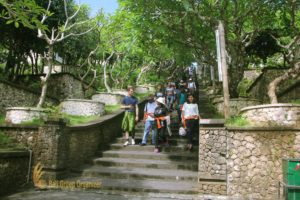 uluwatu temple, uluwatu steps, ikay, ikay group