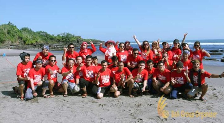 Forest Indo Niaga Beach Team Building