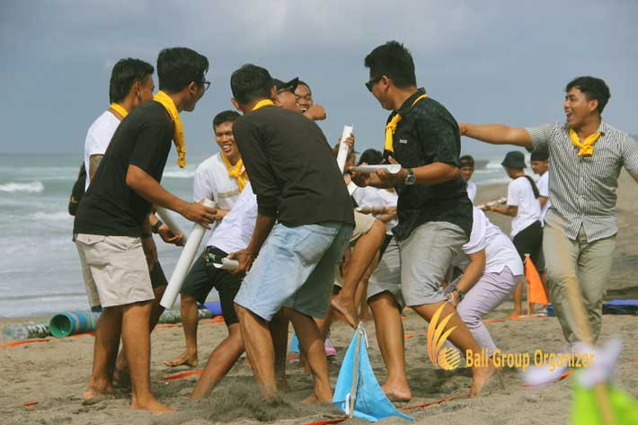 group teambuilding amazing race games, beach team building, team building, the lawn, the lawn canggu, lawn canggu