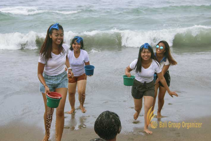 group teambuilding beach fun games, fun games, beach team building, team building, the lawn, the lawn canggu, lawn canggu