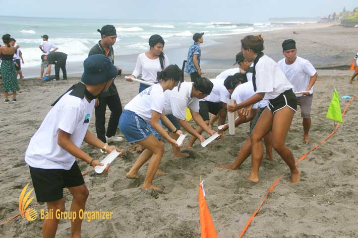 group teambuilding crazy ball, amazing crazy ball, beach team building, team building, the lawn, the lawn canggu, lawn canggu