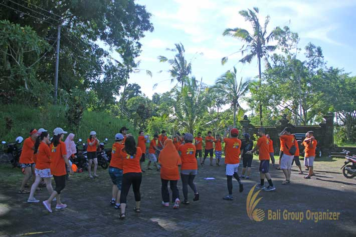 bali incentive trip samurai game, ice breaking, team building, weebz mandiri, weebz mandiri group