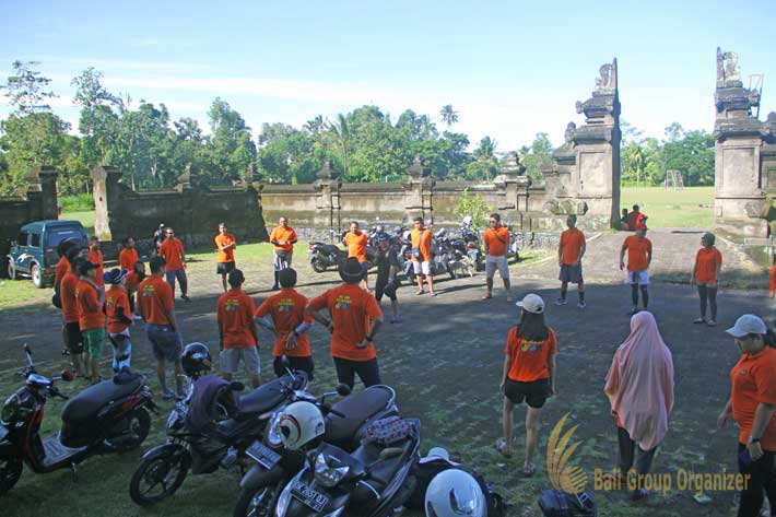 bali incentive trip warm up session, ice breaking, weebz mandiri, weebz mandiri group