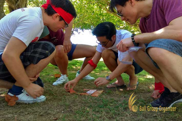 Endered Group play lost member game at Water Blow Nusa Dua Bali