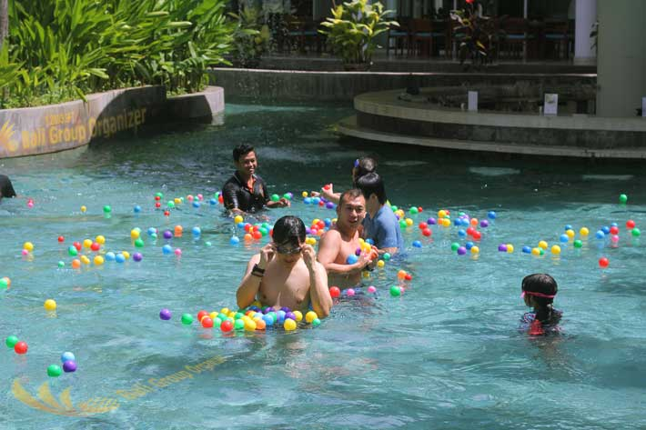 bali hotel team-building pool team building, le meridien bali, le meridien guest activities, pool games