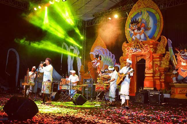 Gus Teja performance at Sanur Village Festival